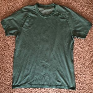 Lulu Lemon Mens dri fit tshirt.